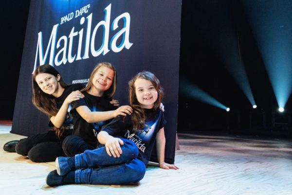 Matilda-musikaalin kuvituskuva
