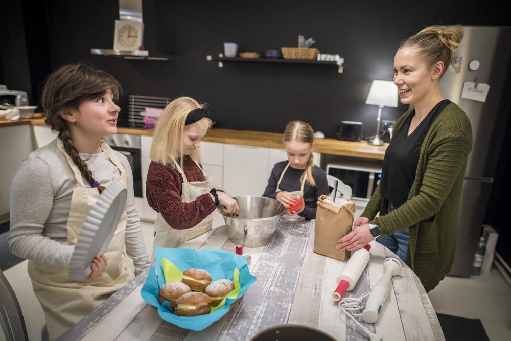 Vantaalla toimii Safkasankarit-kokkikerhoja eri ikäisille lapsille.