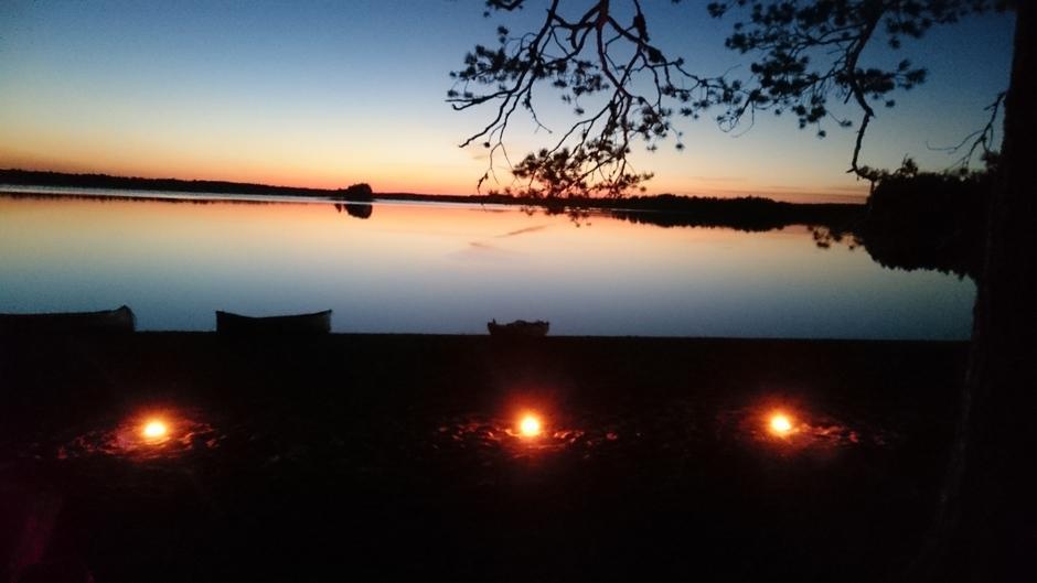 Nuku yön yli luonnossa 8.-9.9.9 (Tiilikkajärvellä Veneäjänhiekalla)