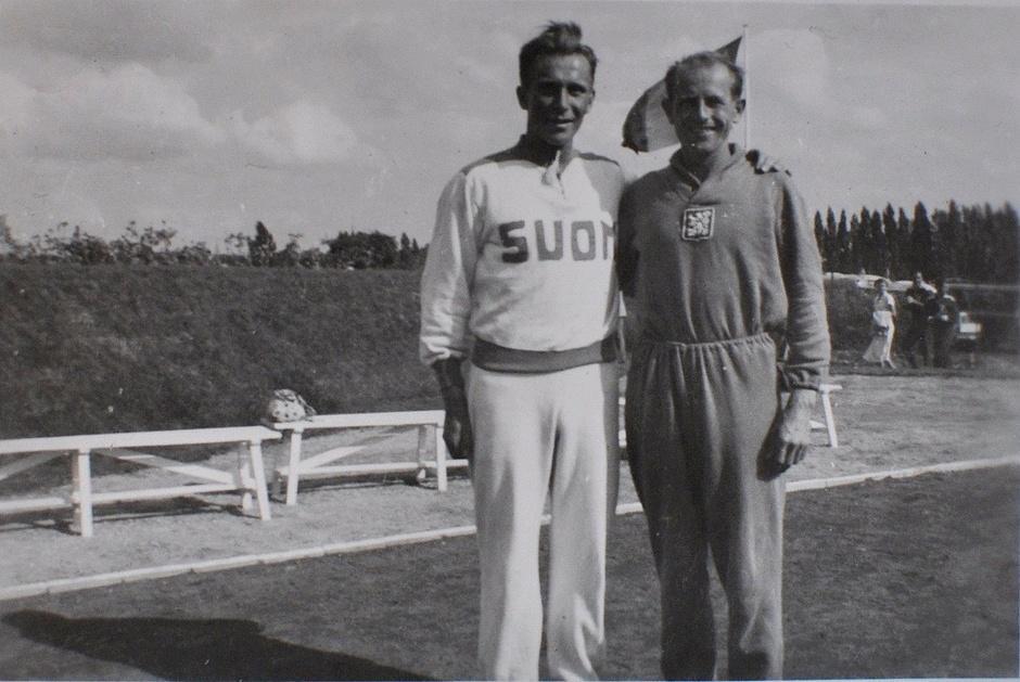 Emil Zátopek ja Väinö Koskela Brysselissä v. 1950.