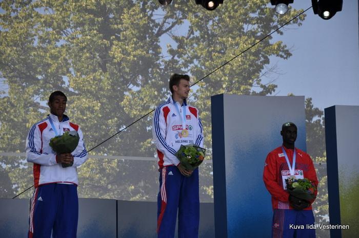 Miesten 100 metrin mitalistit