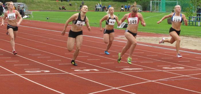 Naisten 200 m 3. erä
