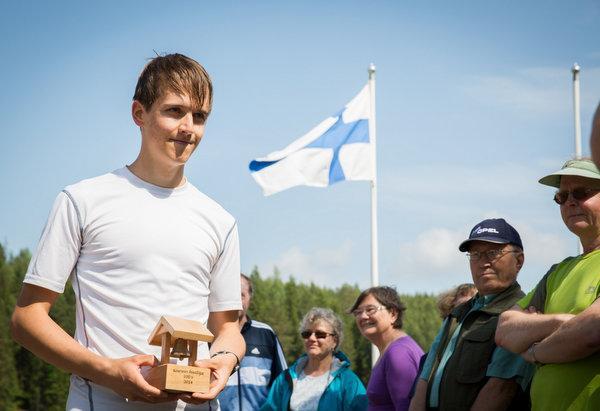 Mikael Niemelä voitti kirikilpailun.