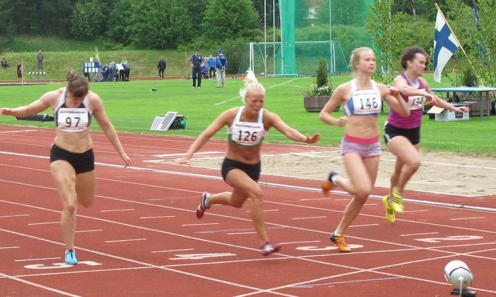 Naisten 200 m 2. erä