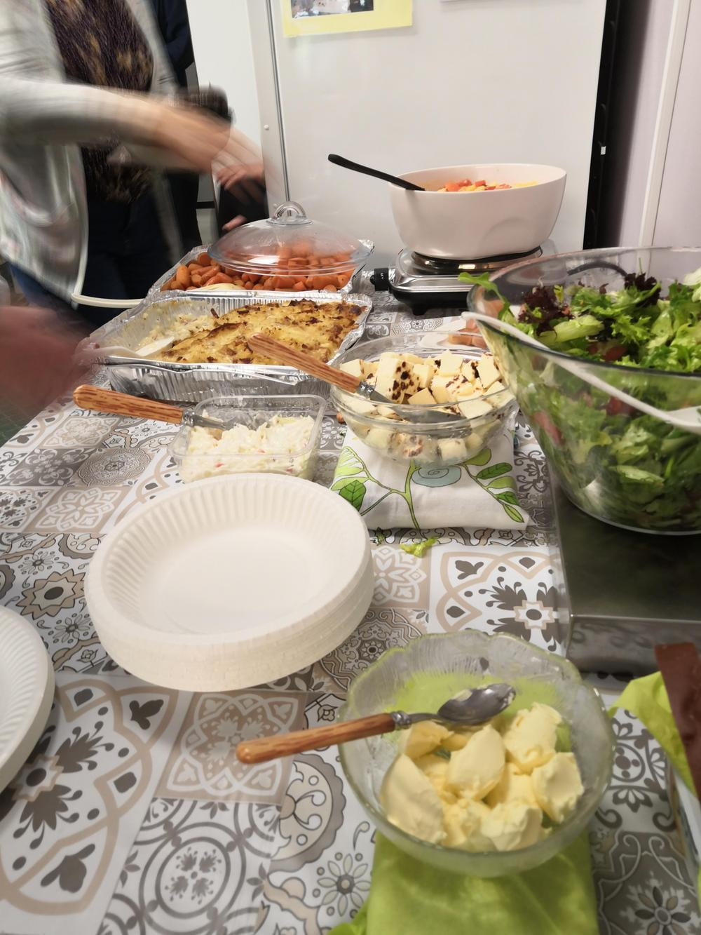 Yhdessä katettua ruokaa