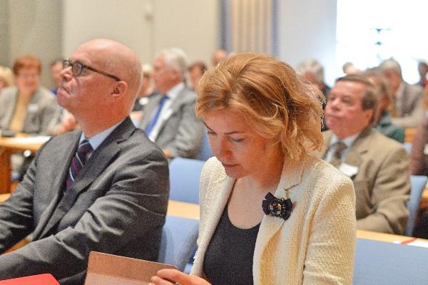 Kaupunginjohtaja Erkki Kukkonen ja ministeri Henna Virkkunen