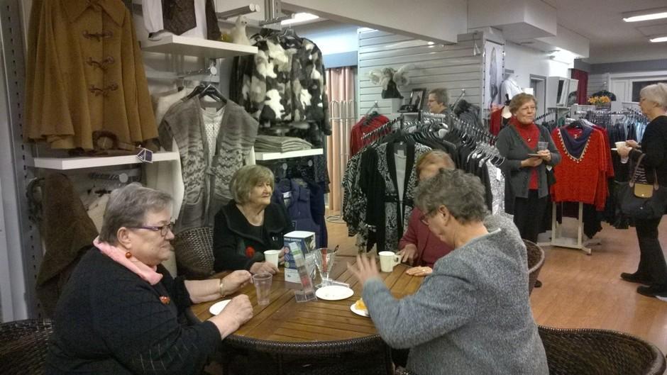 Yhdessä oloa ja kahvittelua