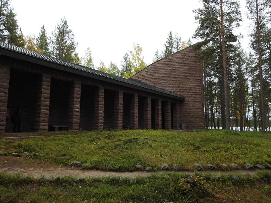 Saksalaissotilaiden hautausmaan kappeli Norvajärvellä