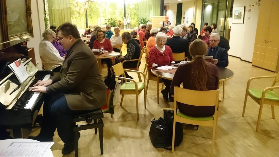 Kangasalan Palvelusäätiön Jalmarin Kodolla vietettiin keskiviikkona 14.12.2016 Kangasala-Pälkäne paikallisosaston 15-vuotisjuhla.