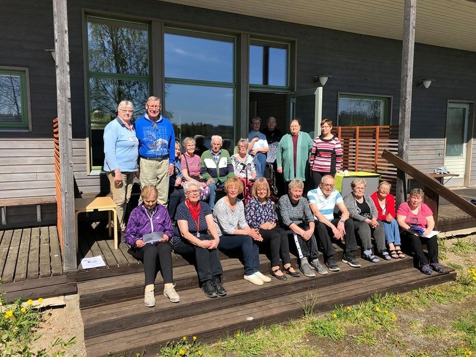 Lempäälän paikallisosaston kevätkauden päätös Rantalan saunalla 17.5.2019.