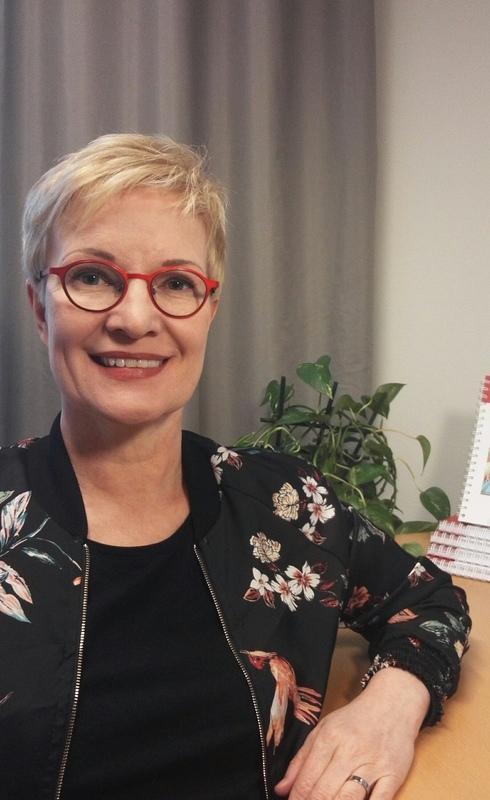 Kirsi Mustonen, Pirkanmaan Muistiyhdistys.