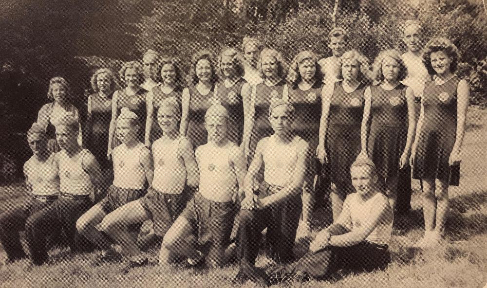 Suurkisoihin osallistunut Tarkkolan osasto vuonna 1947.