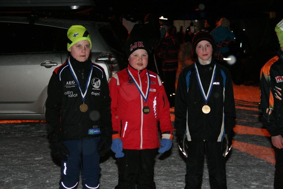 M12 pronssimitalistit: Tero Loukoila, Tuukka Kyrönlahti ja Artturi Asiakainen