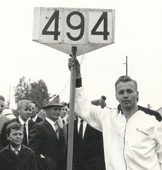 Pentti Nikula hyppäsi maailmanennätyksen Kauhavan juhannuskisoissa 1962