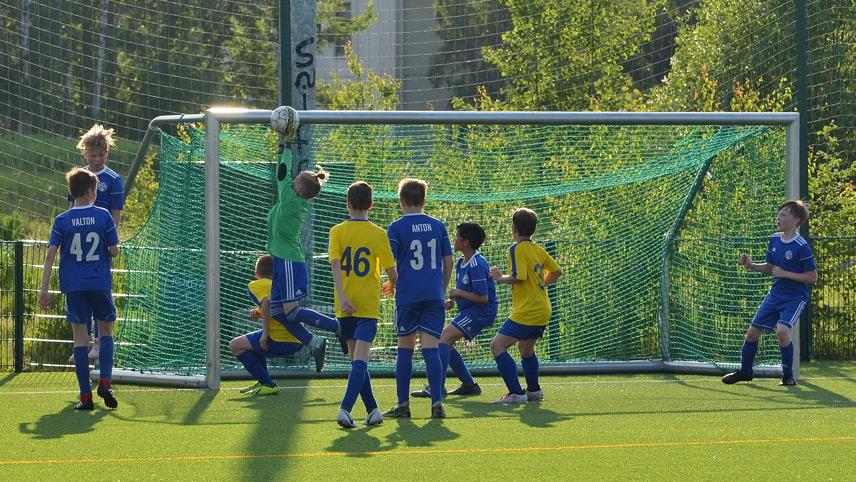 Tule pelaamaan FC Kontuun!