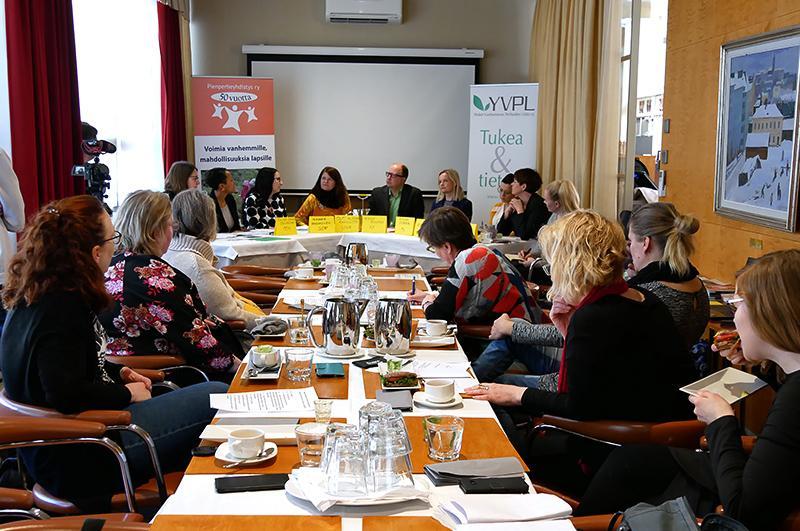 YVPL:n kanssa yhdessä pidetty vaalipaneeli, jossa oli eri puolueiden edustajia keskustelemassa vaaliteemoista.