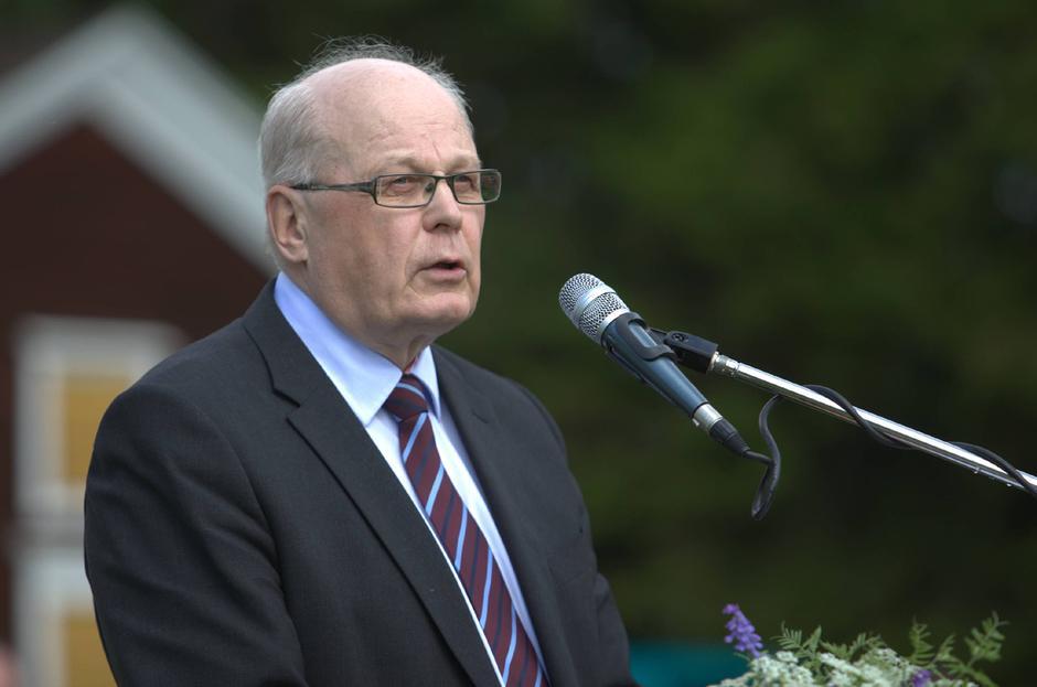 Yhdistyksen puheenjohtaja Esko Oikarinen