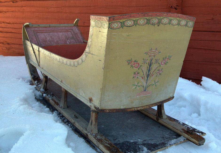 Sleigh from 1827. This kind of sleigh was used both for leisure and competitions in the 18th–19th century.
