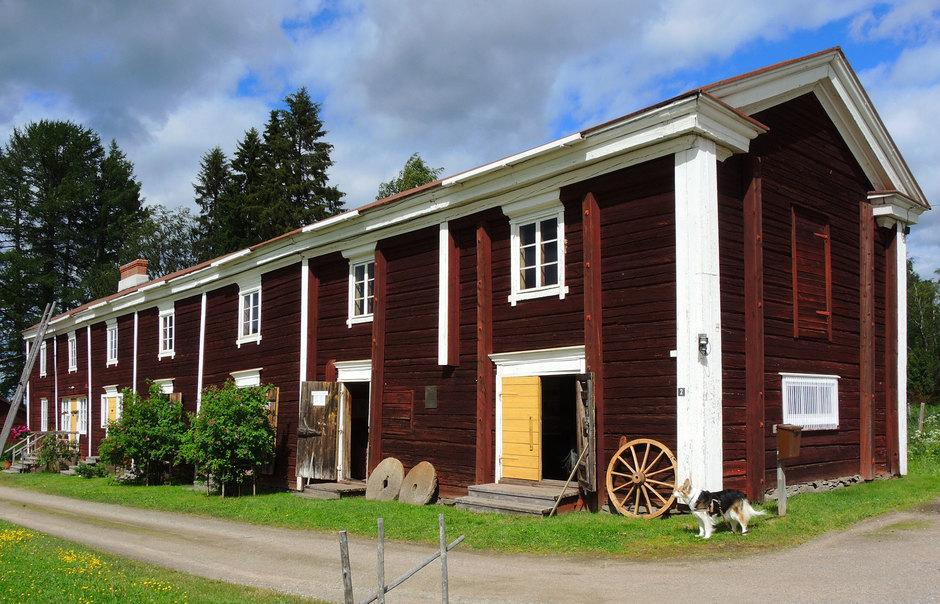 The size of the barn depicts the prosperity of the house gained from cattle and reindeer husbandry as well as fishing.