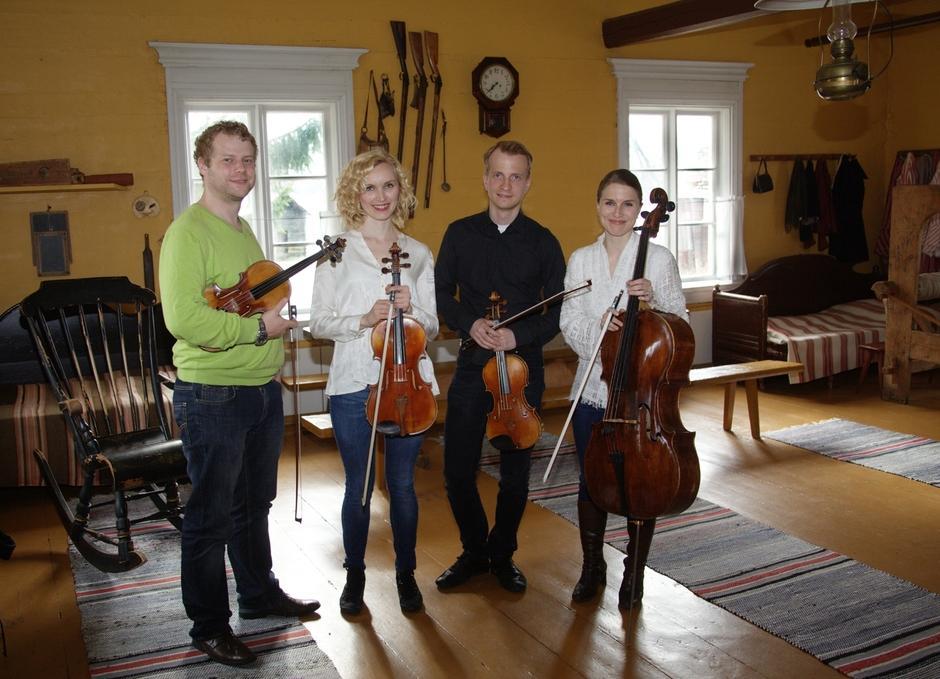 Kaamos-kvartetti. Kuva Rainer Hiuspää. Suurenna klikkaamalla kuvaa.