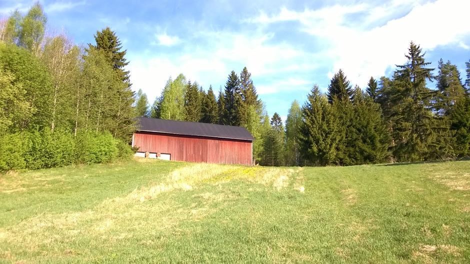 Kisakeskuksessa on vielä hiljaista, mutta viikonloppua kohti vilkastuu.  Kevät alkaa olla kauneimmillaan!