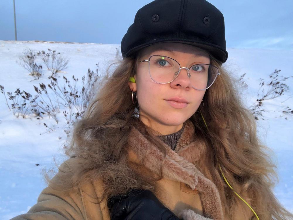 Arina Mikhno, Venäjä