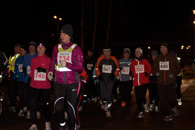 XXIX hakunilan uudenvuodenjuoksu 31.12.2011  -  Matkalle lähdettyä / Kuvaaja Kristian Törvqvist