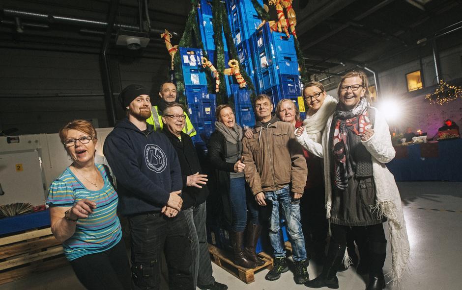 Yhteisen pöydän hävikkiterminaalin tiimiä jouluverstaalla joulukuussa 2016 Kuva:Jani Laukkanen