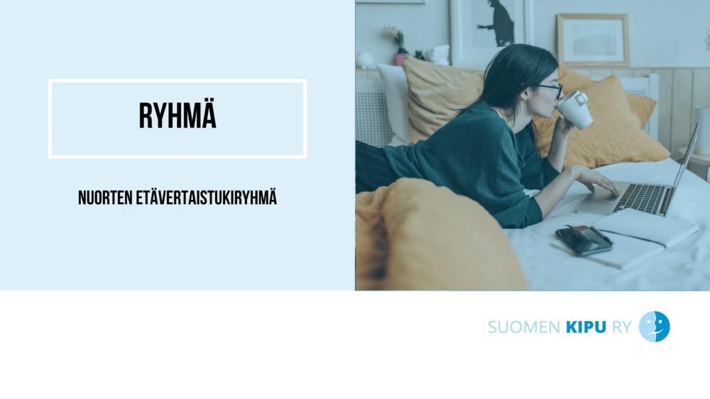 Nuori nainen makaa sängyllä kannettavan tietokoneen ääressä ja juo kahvia. Vieressä teksti: Nuorten etävertaistukiryhmä.