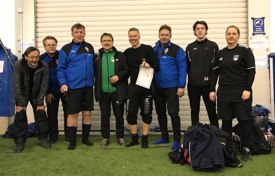 LEK joukkue 2017 (kuvasta puuttuu Anssi Juurinen, Samuel Luomaa ja Pyry Ikonen)