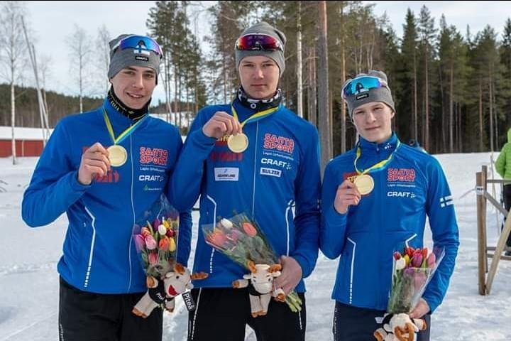 Seeti Salonen, Akseli Virtanen ja Niklas Ekström NEM-kultaa viestissä / SSL