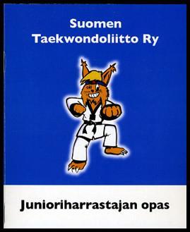 Junioriharrastajan oppaan kansikuva, jossa ilves taekwondopuvussa.
